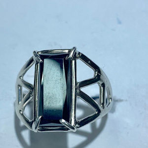 Jewelry - Silver and hematite ring